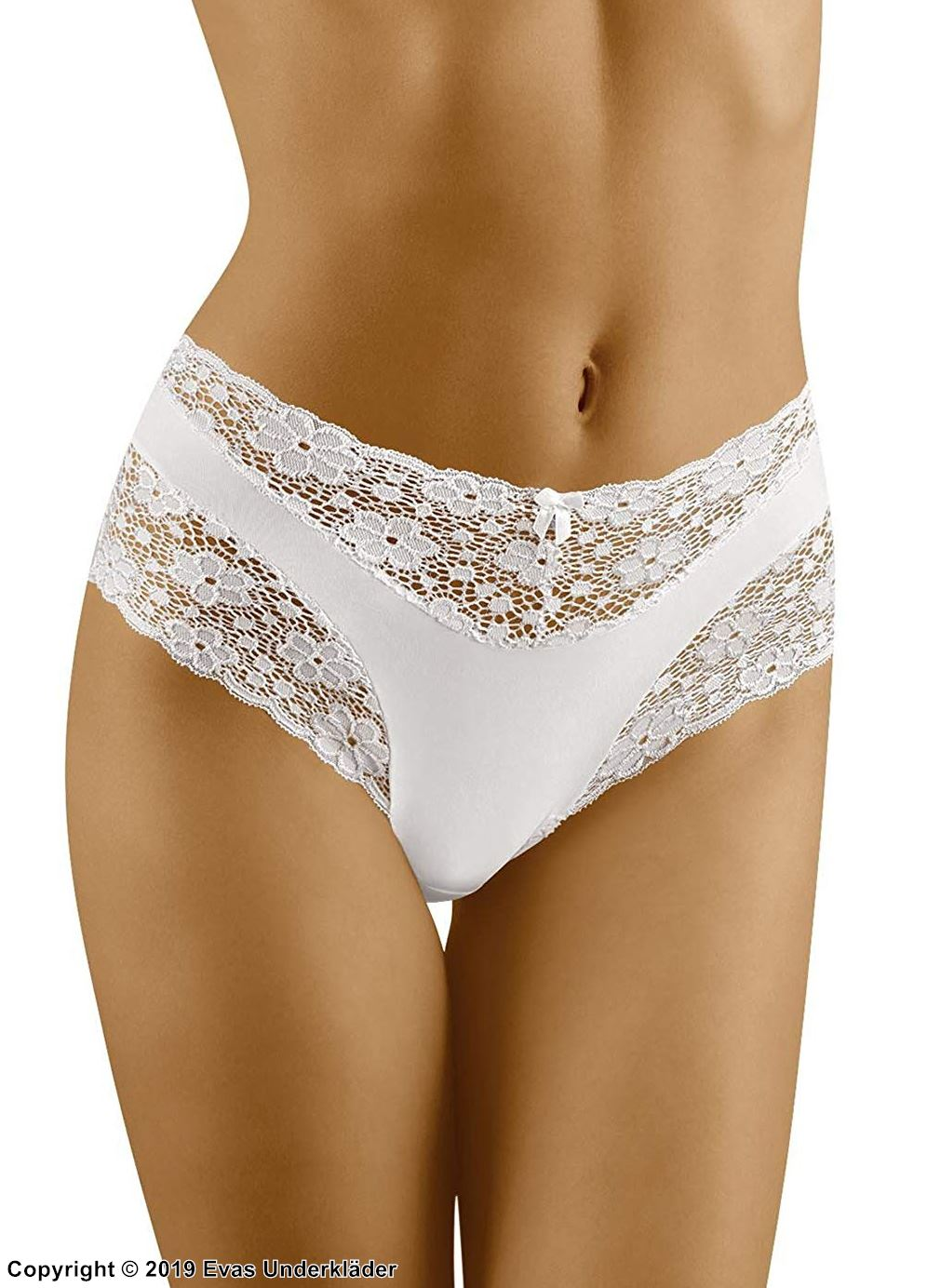 Panty with high waist with lace trim